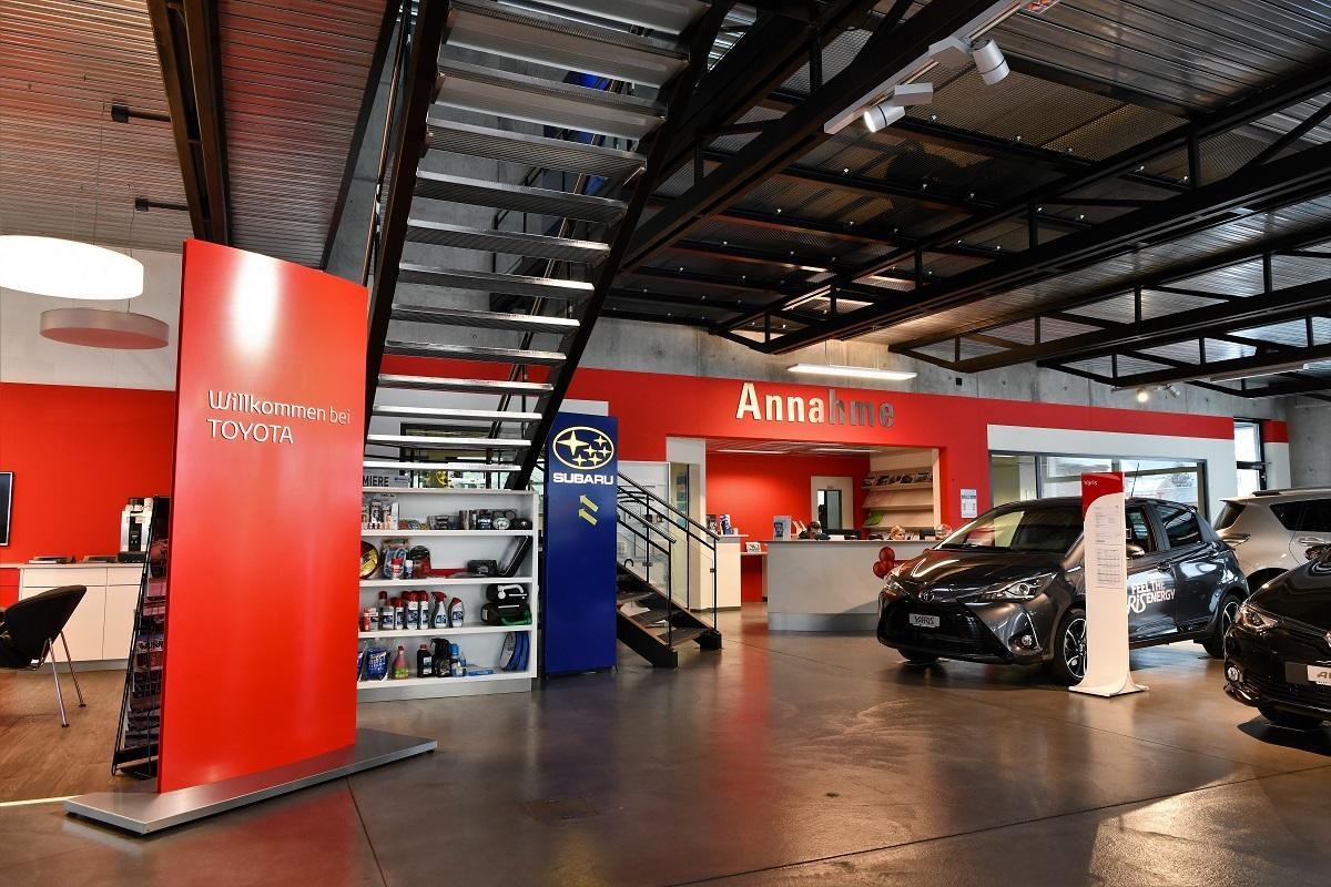 Garage_Joerg_Neuwagenausstellung_2